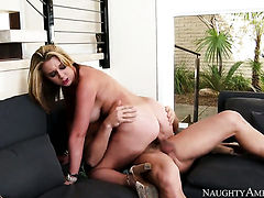 Oriental Brooke Wylde has vigorous sex with hard dicked fuck buddy Johnny Castle