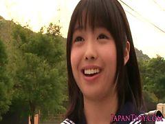 Petite Japanese schoolgirls love threeway